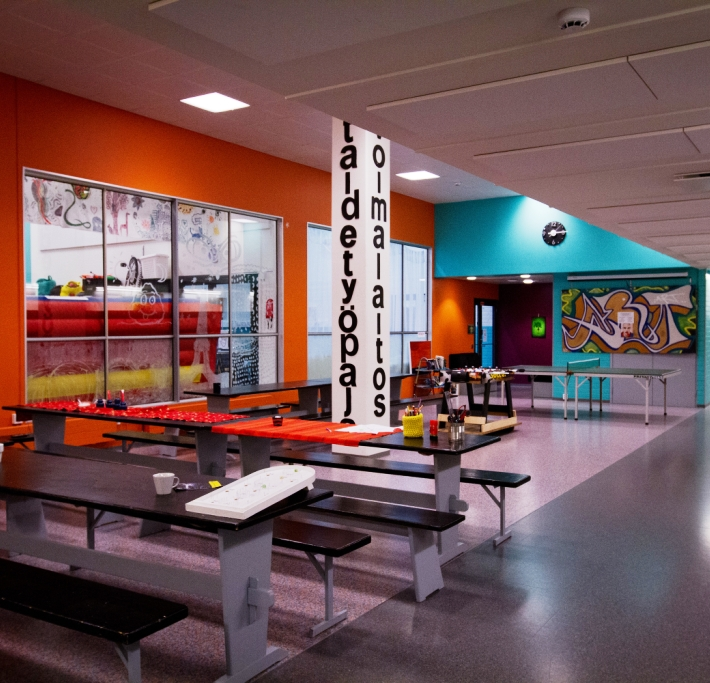 Nuorten taidetyöpajan aula